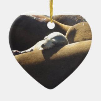Baby-Seelöwe-Schlafen Keramik Herz-Ornament