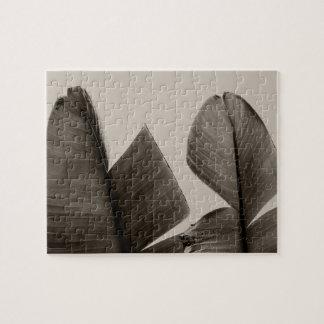 Bananen-Baum-Blätter im Sepia Puzzle