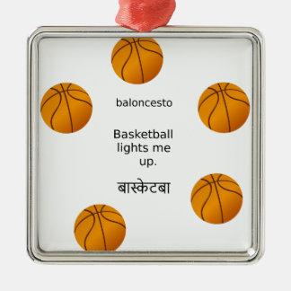 Basketball leuchtet mir mit Spanischen und Hindi Silbernes Ornament