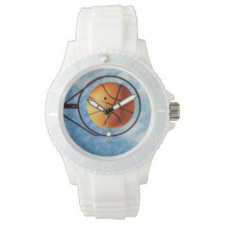 Basketball über Basketball-Ring, Armbanduhr