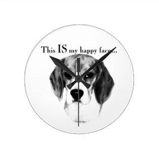 Beagle-glückliches Gesicht Runde Wanduhr