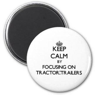 Behalten Sie Ruhe indem Sie auf Traktor-Anhänger
