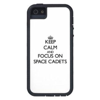 Behalten Sie Ruhe und Fokus auf Raum-Kadetten Schutzhülle Fürs iPhone 5