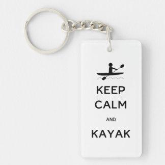 Behalten Sie Ruhe und Kajak Schlüsselanhänger