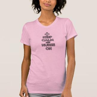 behalten Sie Ruhe und pflegen Sie auf T-Shirt