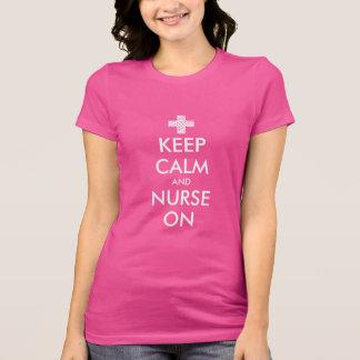 Behalten Sie Ruhe und pflegen Sie auf T-Shirt für