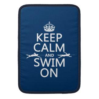 Behalten Sie Ruhe und schwimmen Sie auf (in MacBook Air Sleeve