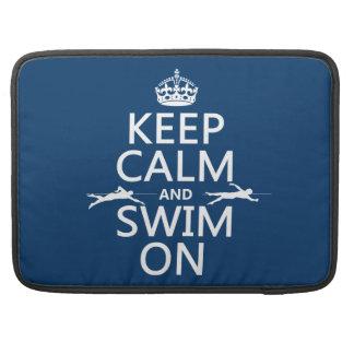 Behalten Sie Ruhe und schwimmen Sie auf (in MacBook Pro Sleeve