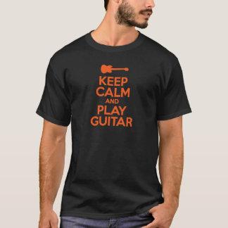 Behalten Sie Ruhe und Spiel-Gitarren-coolen T-Shirt