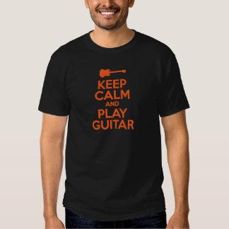 Behalten Sie Ruhe und Spiel-Gitarren-coolen Tshirts