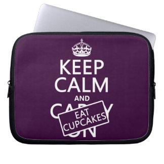Behalten Sie ruhig und essen Sie kleine Kuchen Laptopschutzhülle