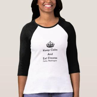 Behalten Sie ruhig und essen Sie S'mores Gabeln, T-Shirt