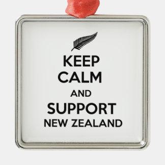 Behalten Sie ruhig und Unterstützung Neuseeland Silbernes Ornament