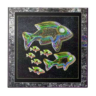 Belichtete Reflexion: Fische im Flut-Licht Kleine Quadratische Fliese