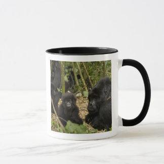 Berggorilla, Erwachsener mit Jungen 2 Tasse