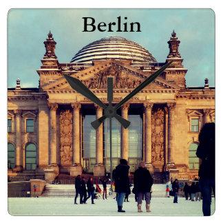 Berlin Reichstag_01.03.T.F Quadratische Wanduhr