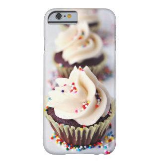 Besprühen Sie kleine Kuchen Barely There iPhone 6 Hülle