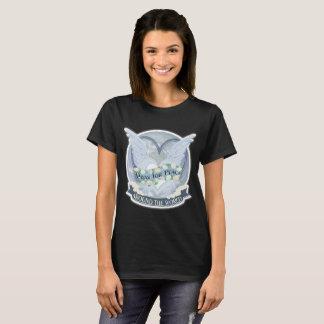 Beten Sie für Frieden auf der ganzen Welt T-Shirt