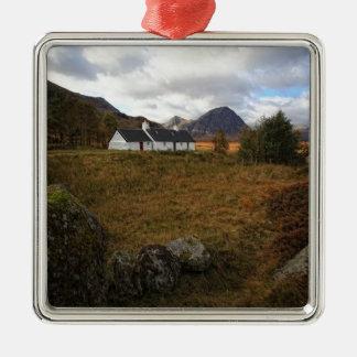 Blackrock Hütte, Glencoe, Schottland Quadratisches Silberfarbenes Ornament