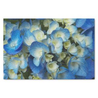 Blaue Blüten mit Blumen Seidenpapier