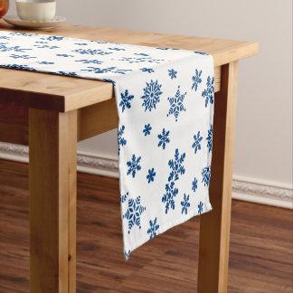 Blaue Schneeflocken Kurzer Tischläufer