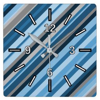 Blaue und graue Streifen-quadratische Uhr