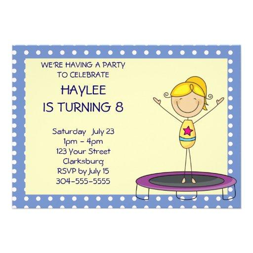 Blaues Gymnastik-Trampoline-Geburtstags-Party Personalisierte Ankündigung