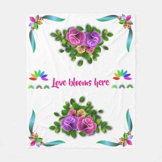 Blühende Liebe Fleecedecke