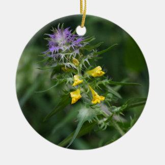 Blume eines Kuhweizens mit Haube Keramik Ornament