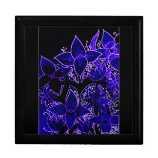 Blumen im Blau Große Quadratische Schatulle