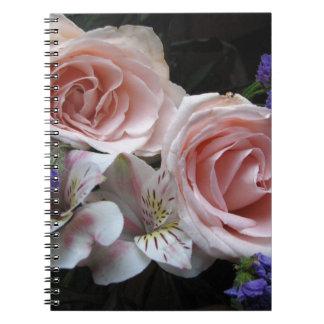 Blumenstrauß-Notizbuch Notizblock
