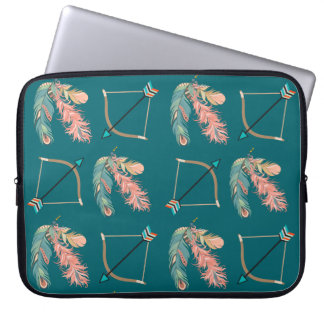 Boho Art-Feder-Pfeil und Bogen Laptopschutzhülle