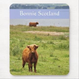 """""""Bonnie Schottland"""" mit jungem Hochland-Kuh-Foto Mousepads"""