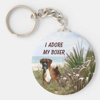 Boxer im Strandhafer Keychain Standard Runder Schlüsselanhänger