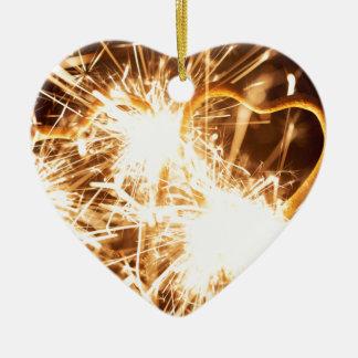 Brennender Sparkler in der Form eines Herzens Keramik Herz-Ornament
