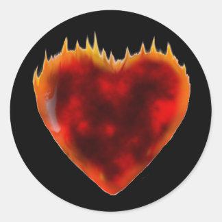 Brennendes Herz Runder Aufkleber