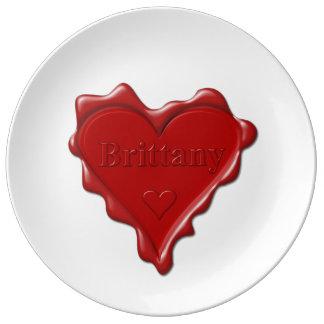 Bretagne. Rotes Herzwachs-Siegel mit Porzellanteller