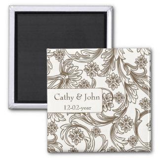 Brown und weiße Blumenfrühlings-Hochzeit Quadratischer Magnet