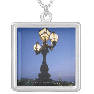 Brücke Alexandre III in Paris Halskette Mit Quadratischem Anhänger