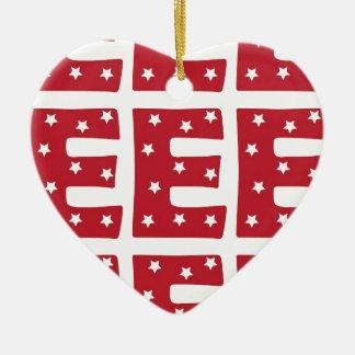 Buchstabe E - Weiß-Sterne auf dunkelrotem Keramik Herz-Ornament
