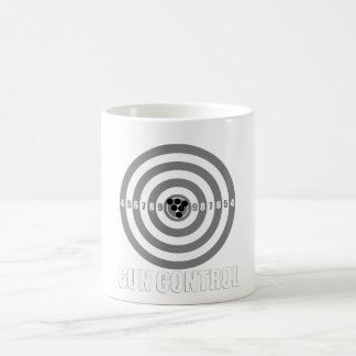 Bullaugengewehr-Kontrolle Kaffeetasse