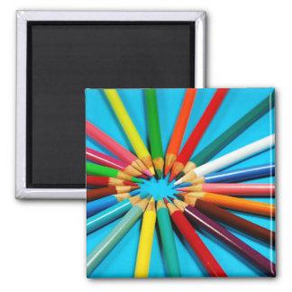 Bunter Bleistift zeichnet Magneten Quadratischer Magnet
