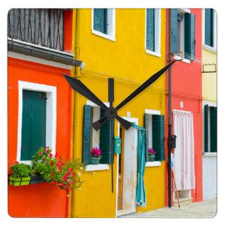 Burano Italien Gebäude Quadratische Wanduhr
