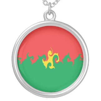Burkina Faso Gnarly Flagge Halskette Mit Rundem Anhänger