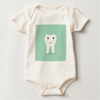 Bürstende Zahnbürste des glücklichen Baby Strampler