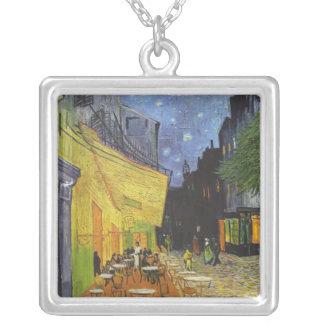 Café-Terrasse auf dem Platz Du forum, arles nachts Halskette Mit Quadratischem Anhänger