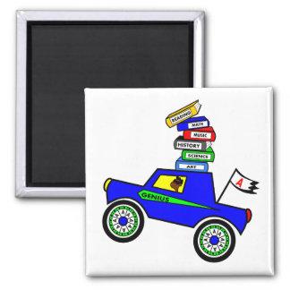 Cartoon-Schüler-Genie, das Auto-Bücher auf die Quadratischer Magnet