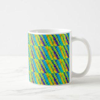 Chaotisches Neon färbt abstrakte Muster Kaffeetasse