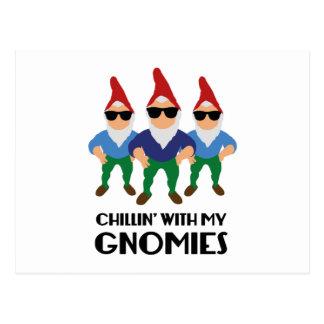 Chillin mit meinem Gnomies Postkarte