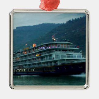 Chinesisches touristisches Boot im Fluss Yangtz Silbernes Ornament